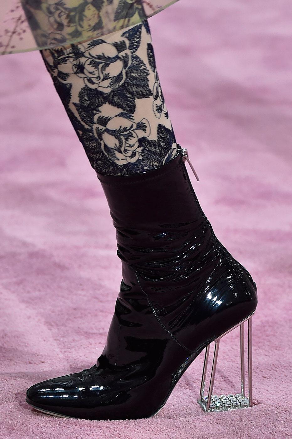Christian-Dior-fashion-runway-show-close-ups-haute-couture-paris-spring-summer-2015-the-impression-167