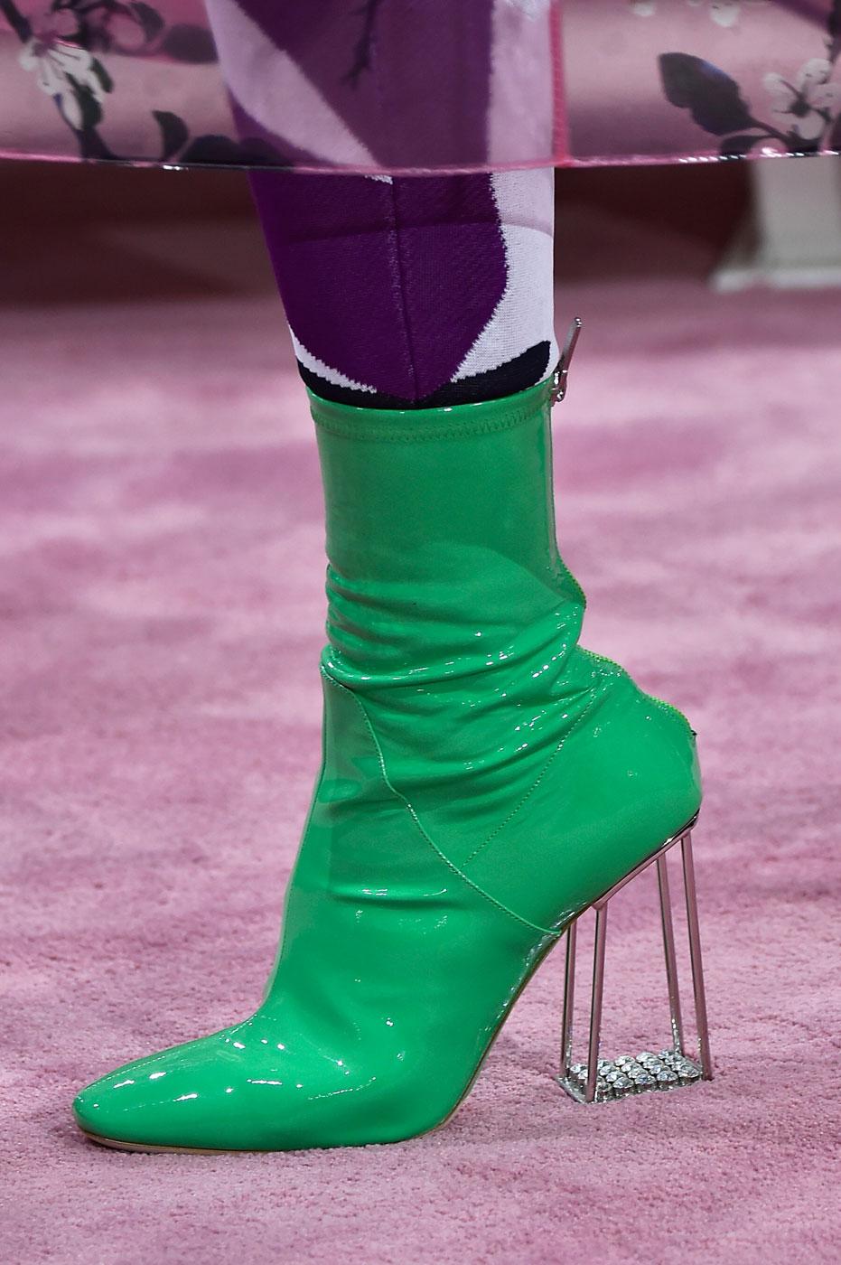 Christian-Dior-fashion-runway-show-close-ups-haute-couture-paris-spring-summer-2015-the-impression-175