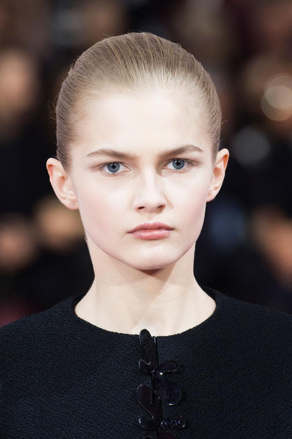 Christian-Dior-fashion-runway-show-close-ups-haute-couture-paris-spring-summer-2015-the-impression-185