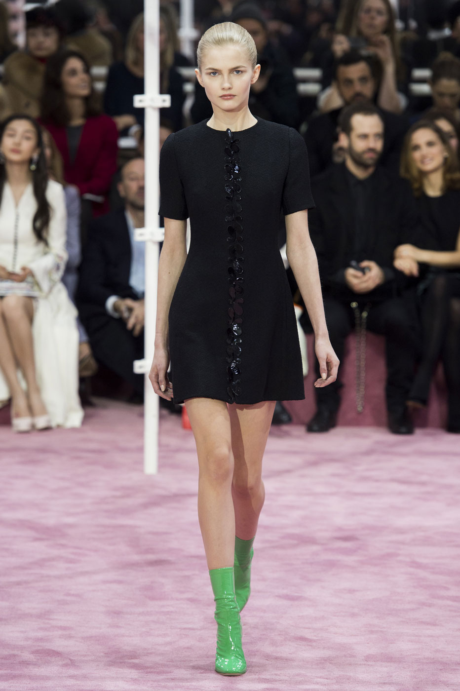 Christian-Dior-fashion-runway-show-haute-couture-paris-spring-summer-2015-the-impression-021