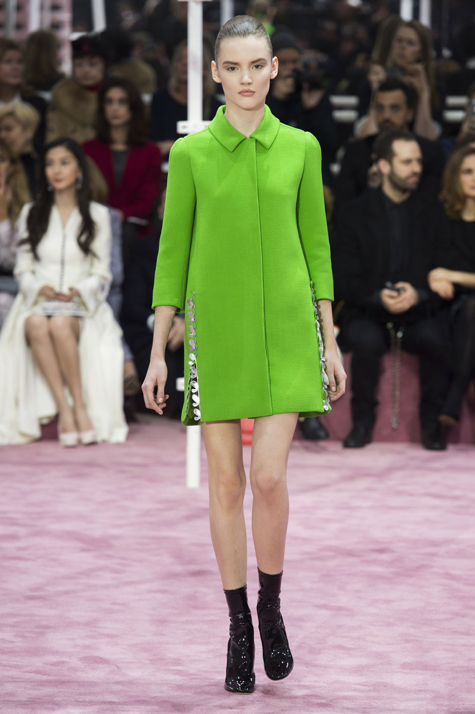 Christian-Dior-fashion-runway-show-haute-couture-paris-spring-summer-2015-the-impression-023