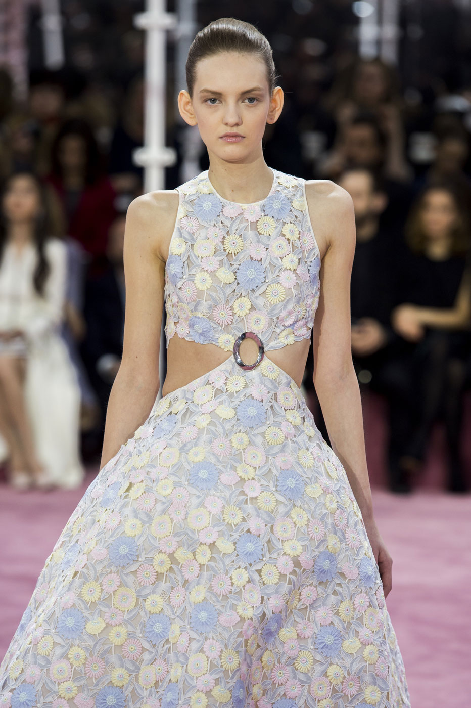 Christian-Dior-fashion-runway-show-haute-couture-paris-spring-summer-2015-the-impression-036