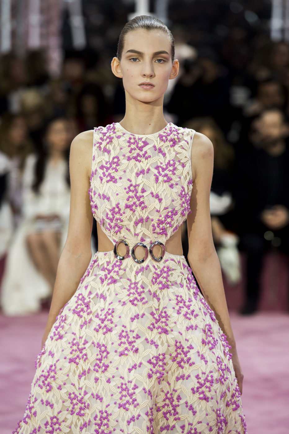 Christian-Dior-fashion-runway-show-haute-couture-paris-spring-summer-2015-the-impression-038