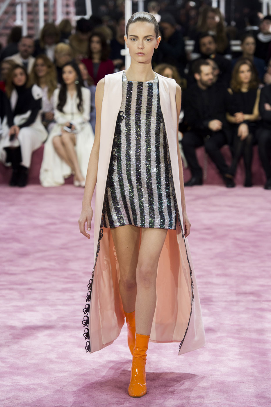 Christian-Dior-fashion-runway-show-haute-couture-paris-spring-summer-2015-the-impression-086
