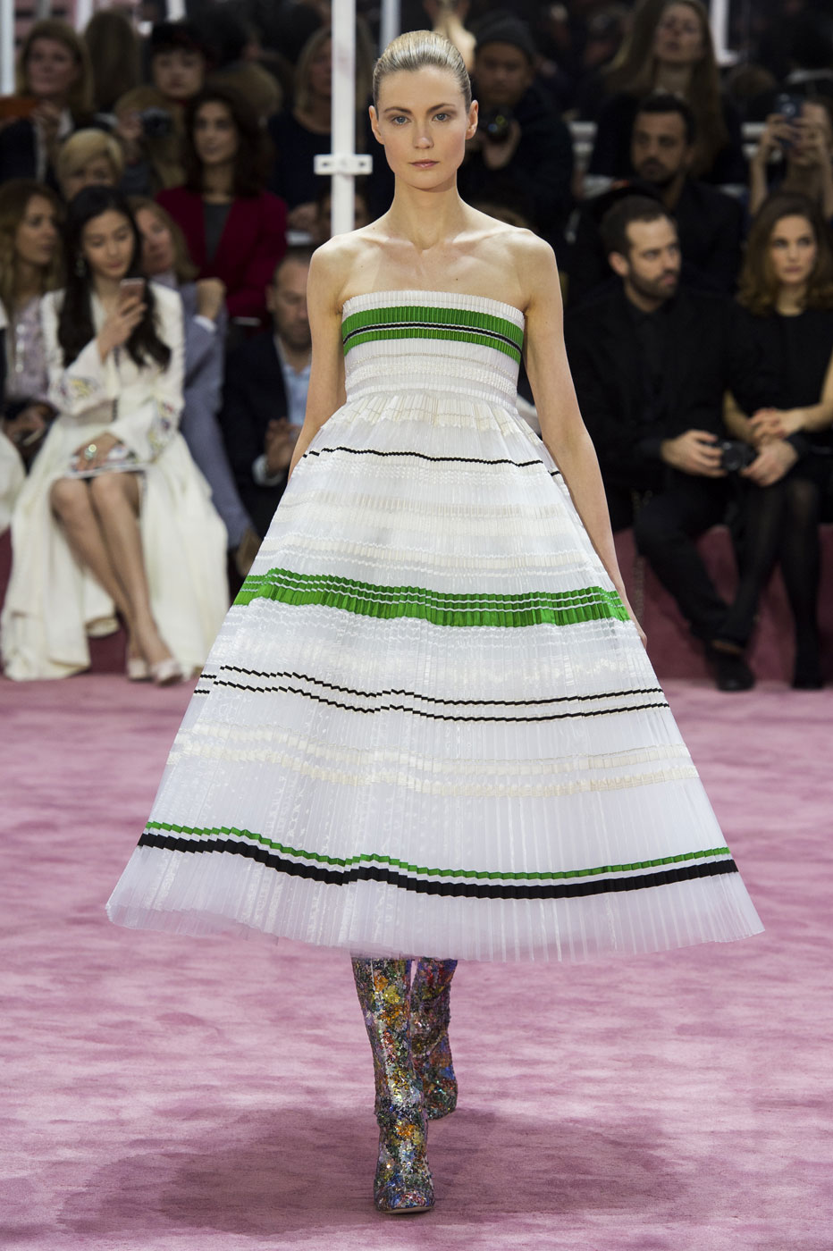 Christian-Dior-fashion-runway-show-haute-couture-paris-spring-summer-2015-the-impression-106