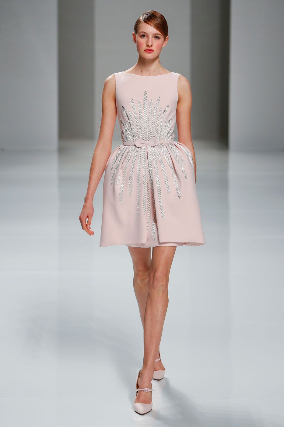 Georges-Hobeika-fashion-runway-show-haute-couture-paris-spring-2015-the-impression-01