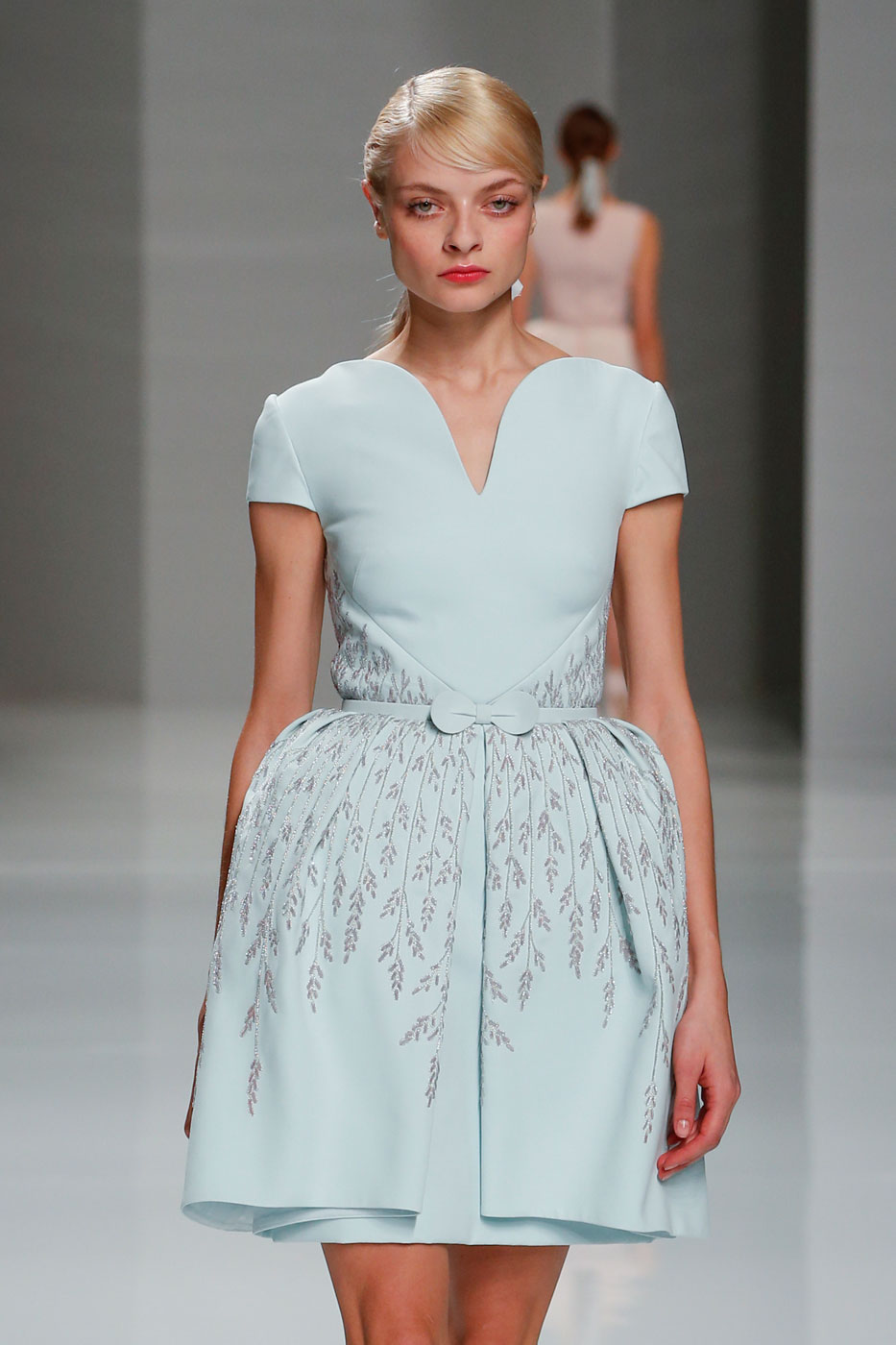 Georges-Hobeika-fashion-runway-show-haute-couture-paris-spring-2015-the-impression-04