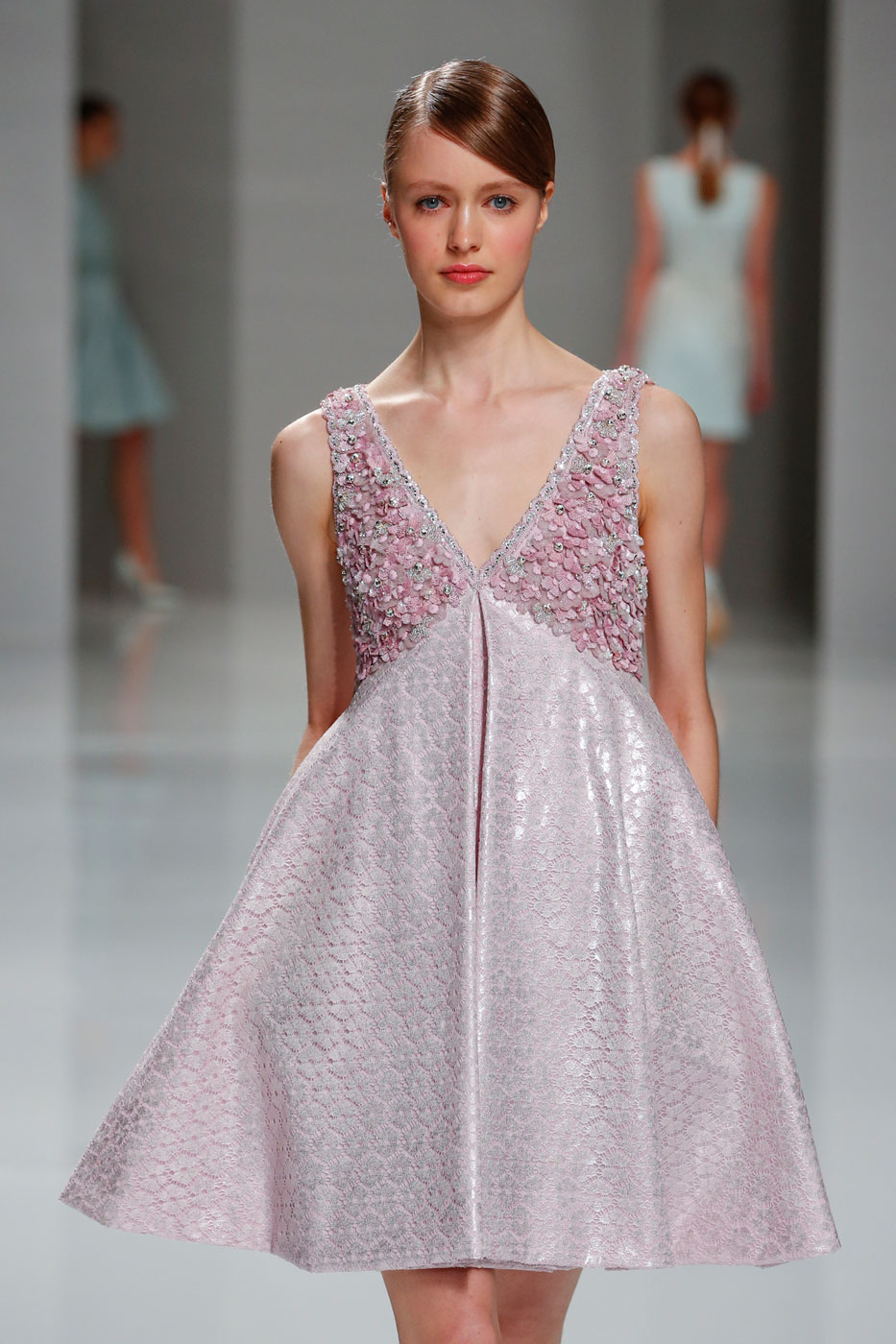Georges-Hobeika-fashion-runway-show-haute-couture-paris-spring-2015-the-impression-10