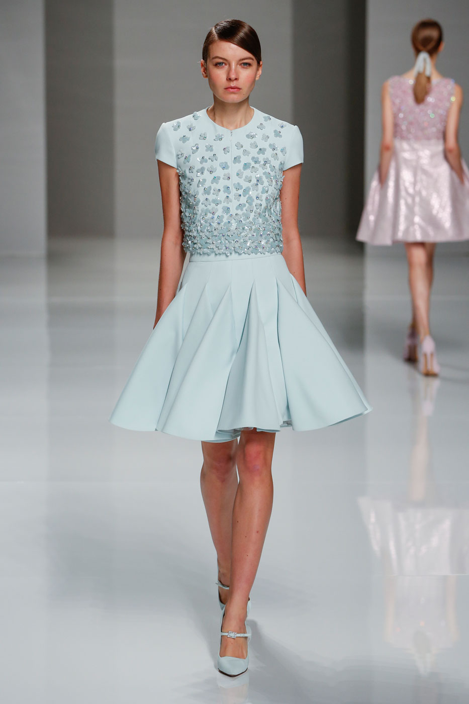 Georges-Hobeika-fashion-runway-show-haute-couture-paris-spring-2015-the-impression-11