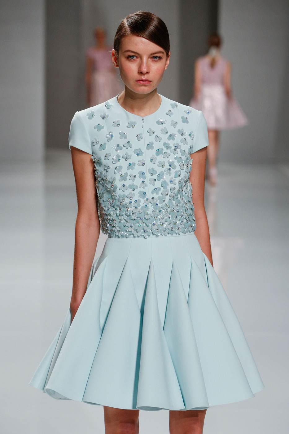 Georges-Hobeika-fashion-runway-show-haute-couture-paris-spring-2015-the-impression-12