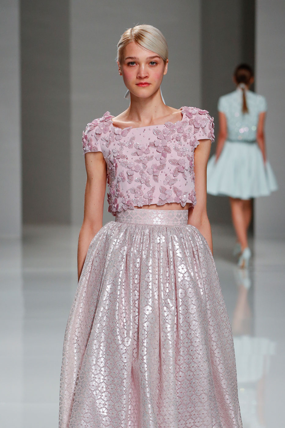 Georges-Hobeika-fashion-runway-show-haute-couture-paris-spring-2015-the-impression-14