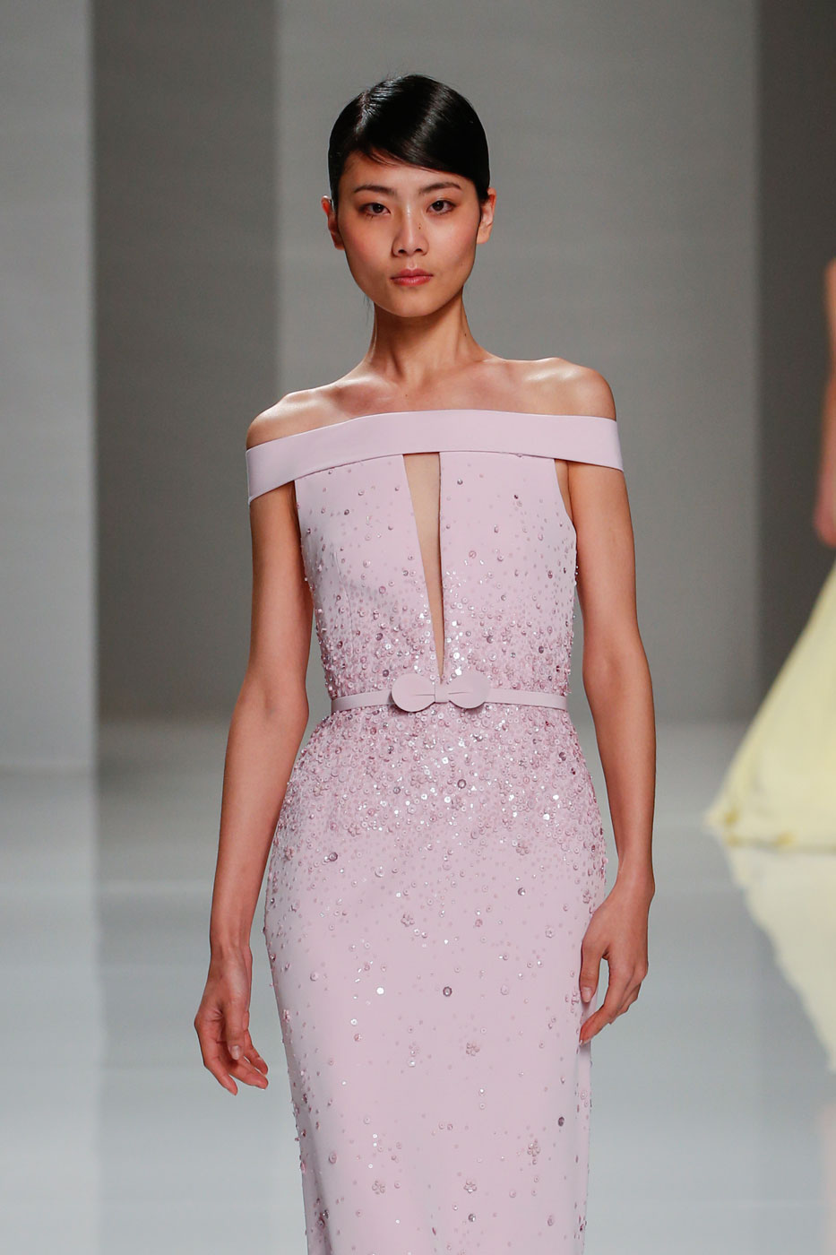 Georges-Hobeika-fashion-runway-show-haute-couture-paris-spring-2015-the-impression-26