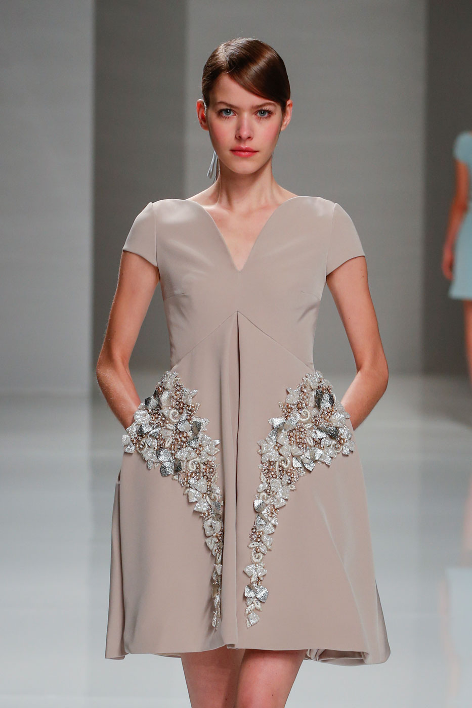 Georges-Hobeika-fashion-runway-show-haute-couture-paris-spring-2015-the-impression-30