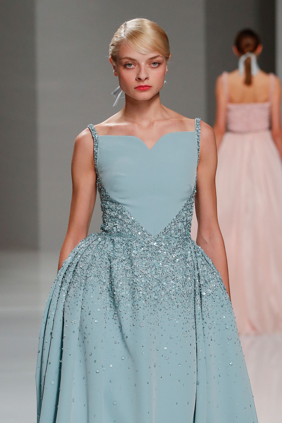 Georges-Hobeika-fashion-runway-show-haute-couture-paris-spring-2015-the-impression-46