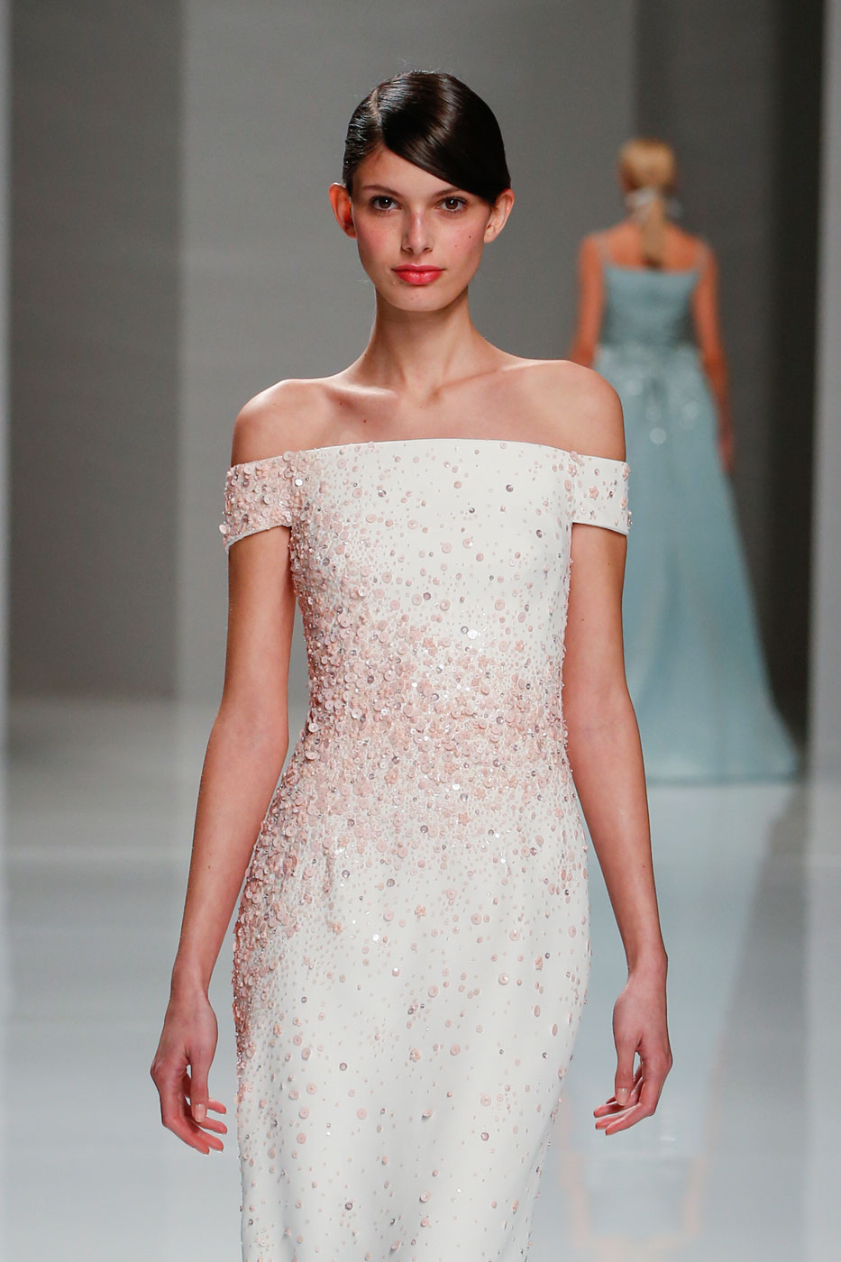 Georges-Hobeika-fashion-runway-show-haute-couture-paris-spring-2015-the-impression-48