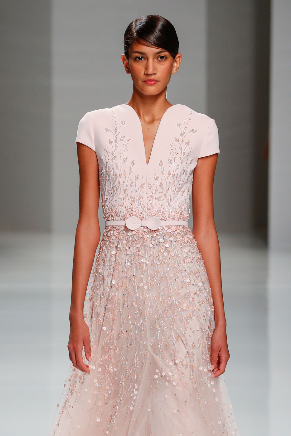 Georges-Hobeika-fashion-runway-show-haute-couture-paris-spring-2015-the-impression-52