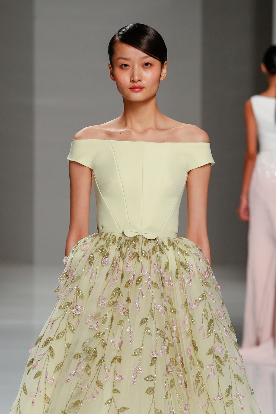 Georges-Hobeika-fashion-runway-show-haute-couture-paris-spring-2015-the-impression-74