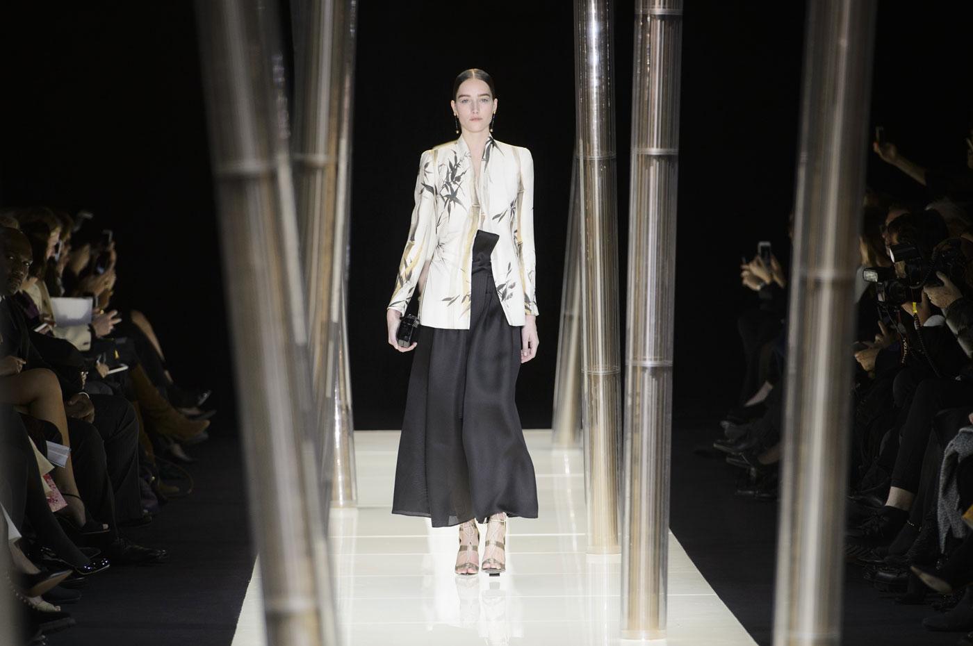 Giorgio-armani-Prive-fashion-runway-show-haute-couture-paris-spring-2015-the-impression-004