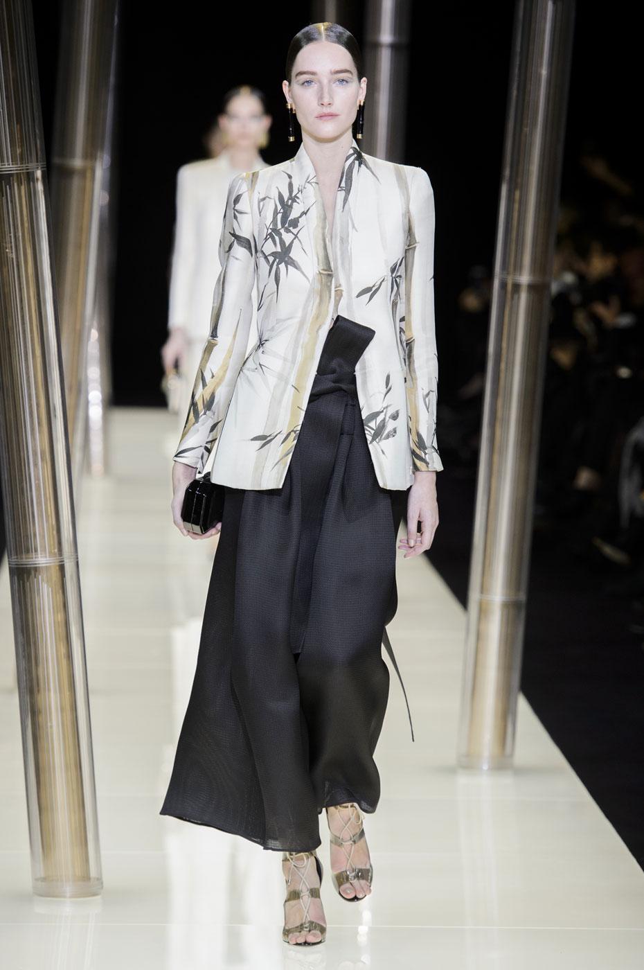 Giorgio-armani-Prive-fashion-runway-show-haute-couture-paris-spring-2015-the-impression-005