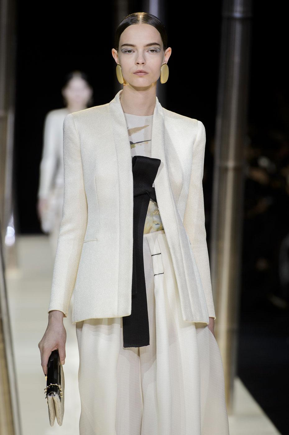 Giorgio-armani-Prive-fashion-runway-show-haute-couture-paris-spring-2015-the-impression-008