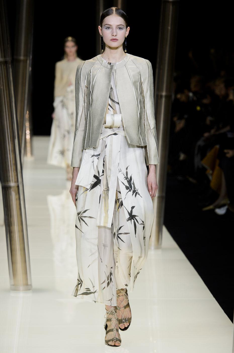 Giorgio-armani-Prive-fashion-runway-show-haute-couture-paris-spring-2015-the-impression-011