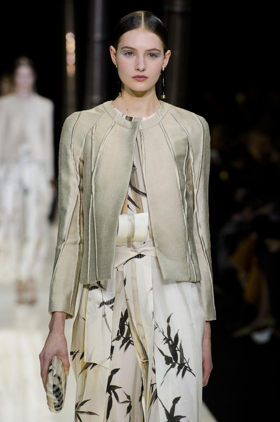 Giorgio-armani-Prive-fashion-runway-show-haute-couture-paris-spring-2015-the-impression-012