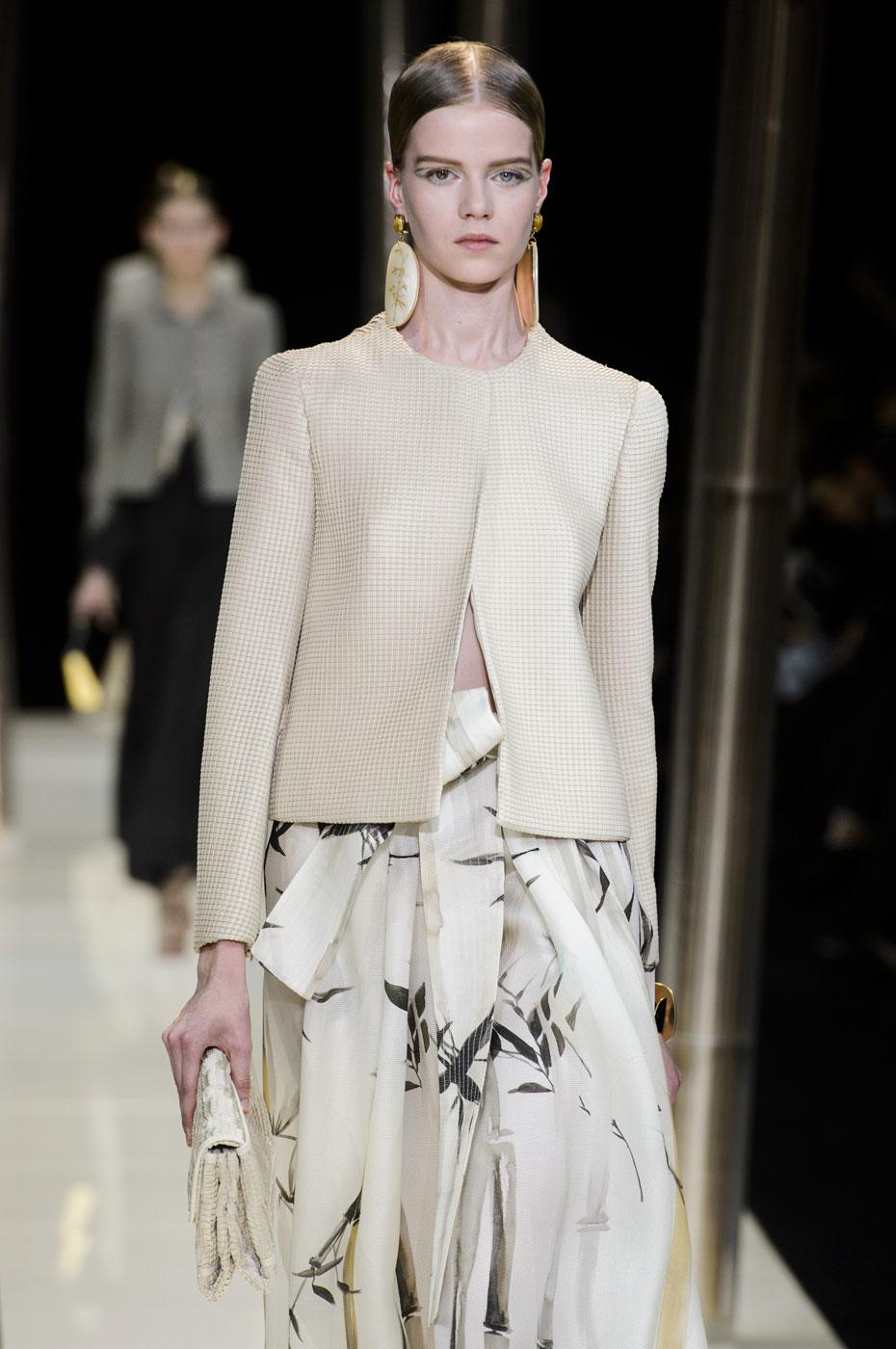 Giorgio-armani-Prive-fashion-runway-show-haute-couture-paris-spring-2015-the-impression-014