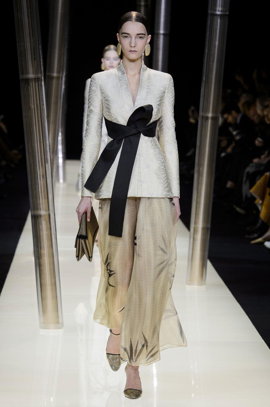 Giorgio-armani-Prive-fashion-runway-show-haute-couture-paris-spring-2015-the-impression-017