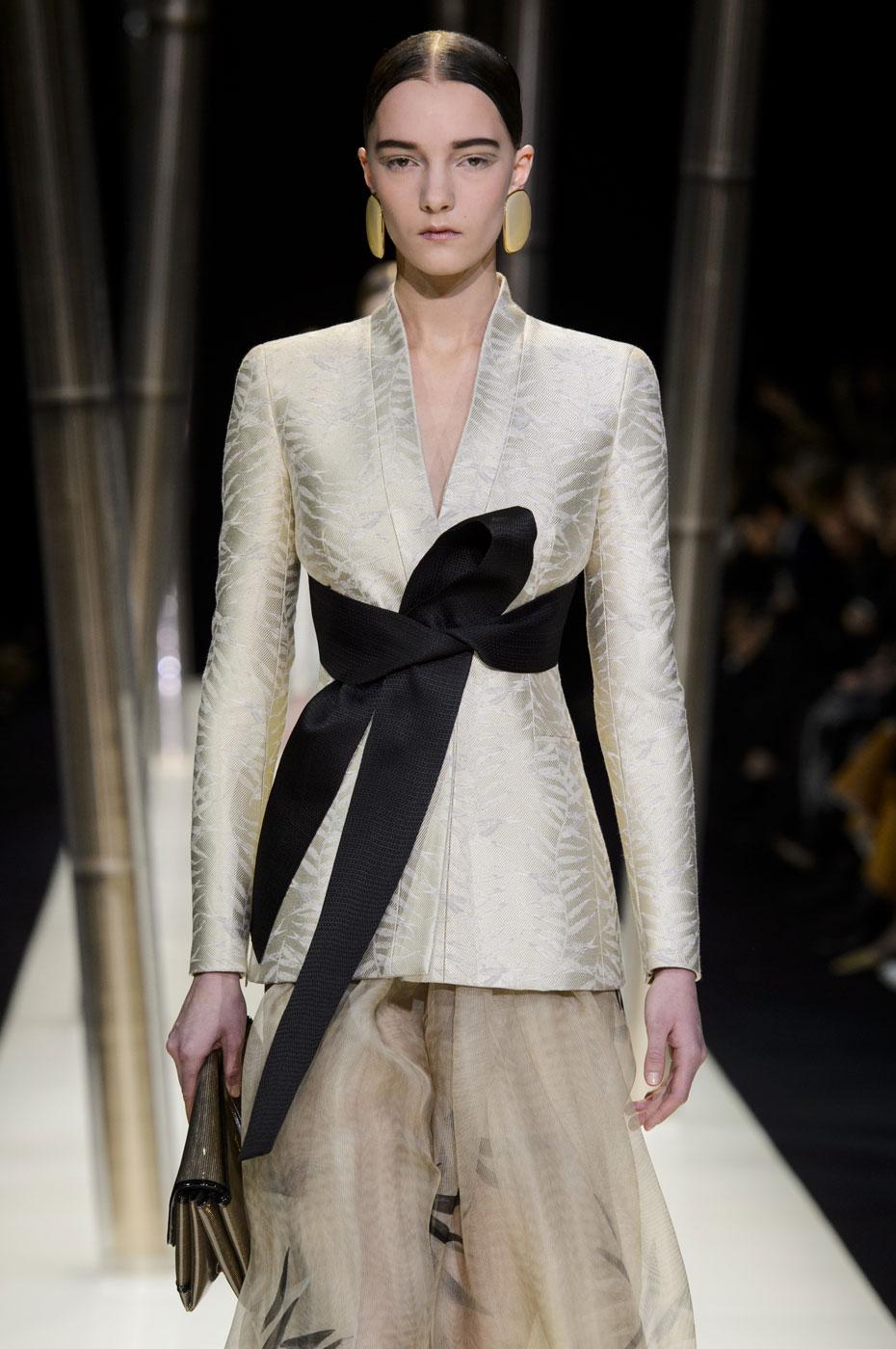 Giorgio-armani-Prive-fashion-runway-show-haute-couture-paris-spring-2015-the-impression-018
