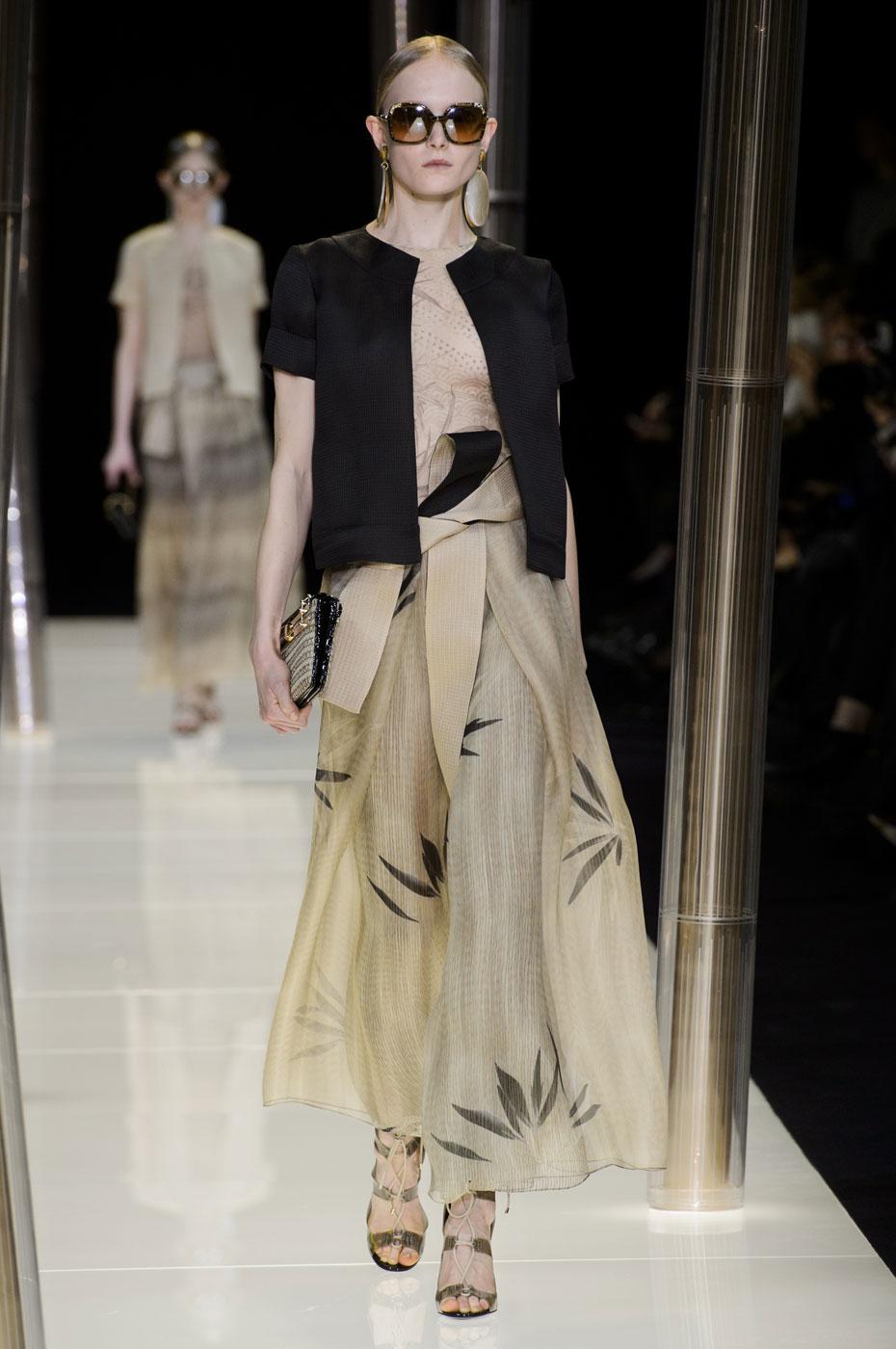 Giorgio-armani-Prive-fashion-runway-show-haute-couture-paris-spring-2015-the-impression-021