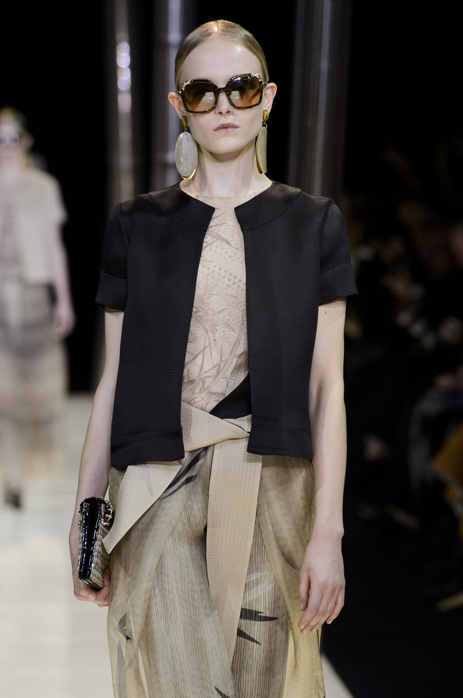 Giorgio-armani-Prive-fashion-runway-show-haute-couture-paris-spring-2015-the-impression-022