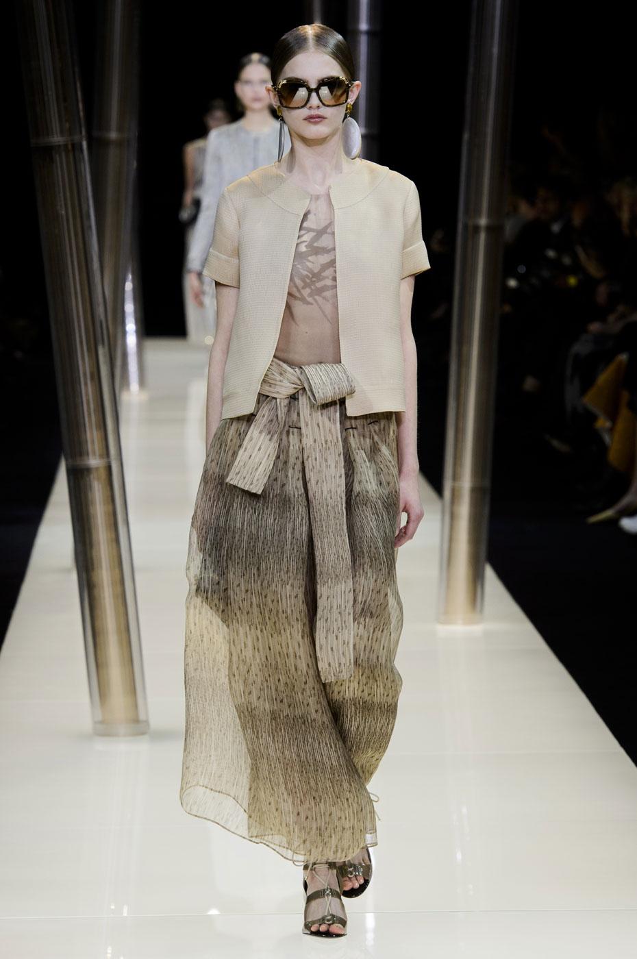 Giorgio-armani-Prive-fashion-runway-show-haute-couture-paris-spring-2015-the-impression-023