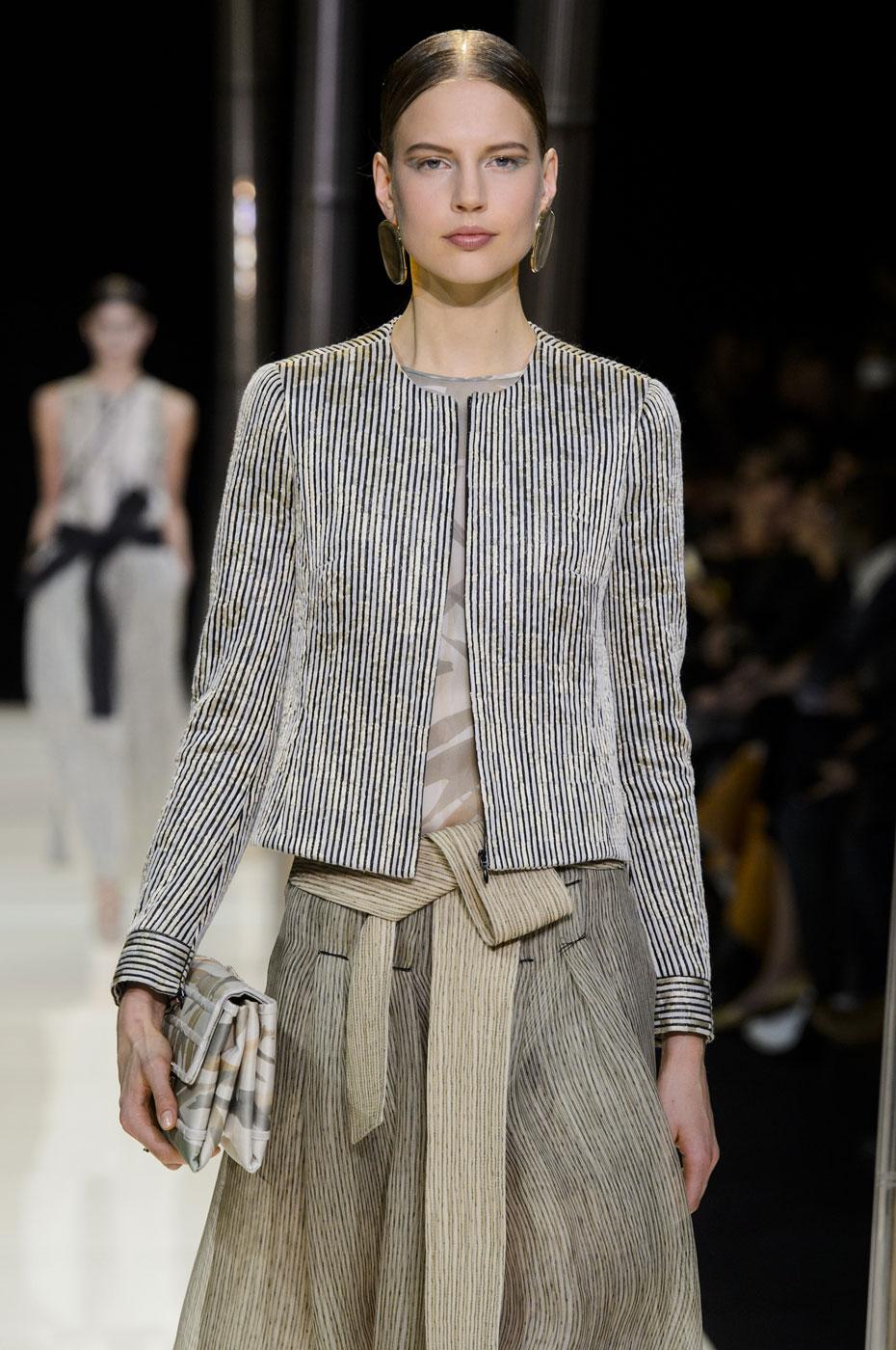 Giorgio-armani-Prive-fashion-runway-show-haute-couture-paris-spring-2015-the-impression-026