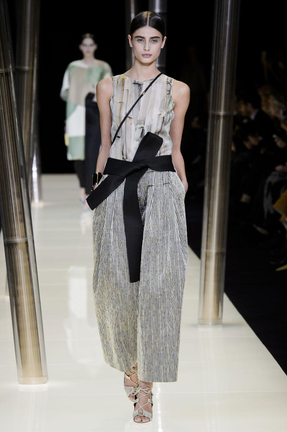 Giorgio-armani-Prive-fashion-runway-show-haute-couture-paris-spring-2015-the-impression-027