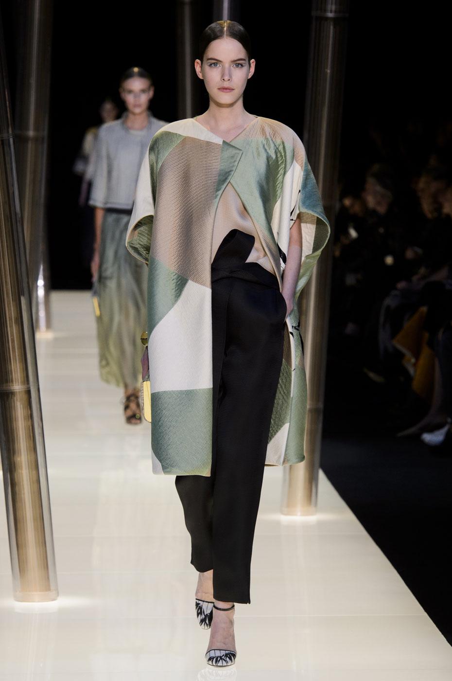 Giorgio-armani-Prive-fashion-runway-show-haute-couture-paris-spring-2015-the-impression-029