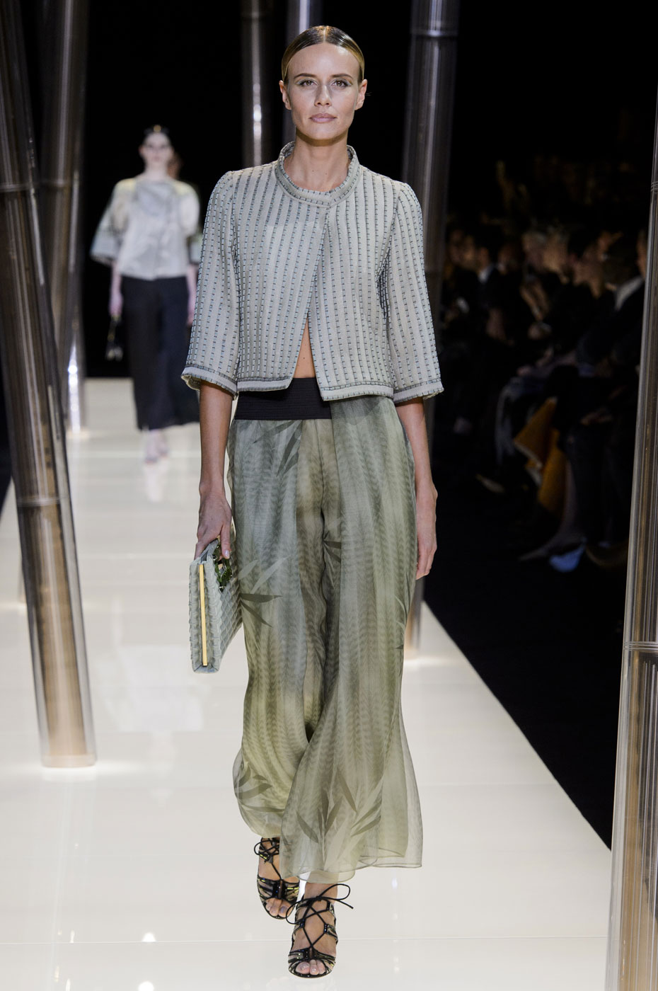 Giorgio-armani-Prive-fashion-runway-show-haute-couture-paris-spring-2015-the-impression-031