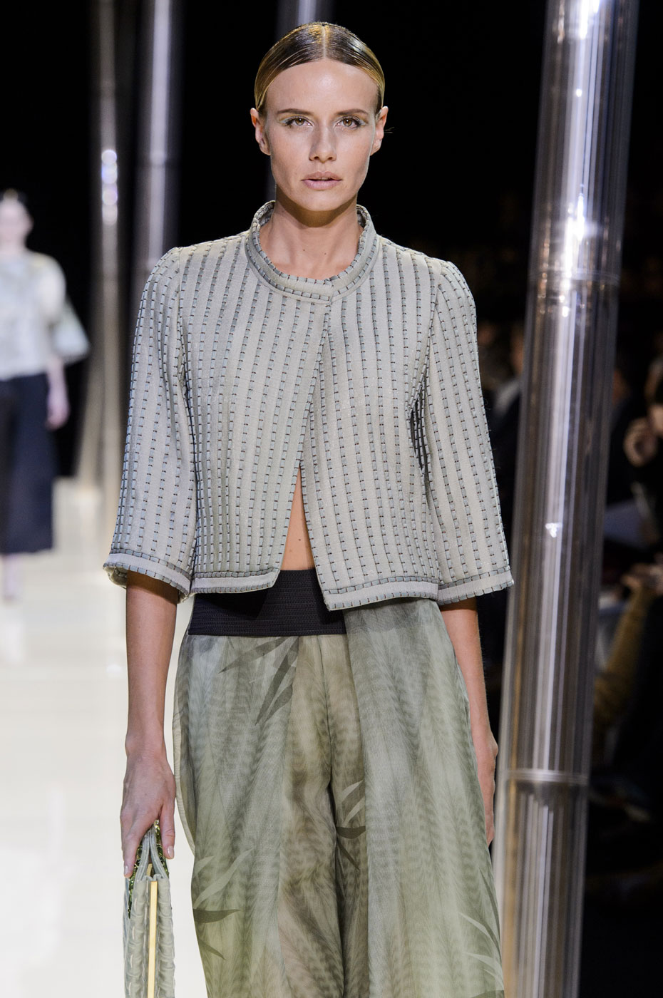 Giorgio-armani-Prive-fashion-runway-show-haute-couture-paris-spring-2015-the-impression-032