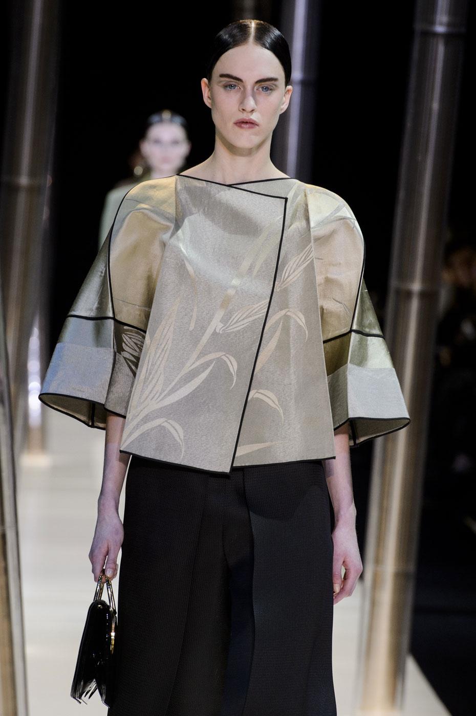 Giorgio-armani-Prive-fashion-runway-show-haute-couture-paris-spring-2015-the-impression-034