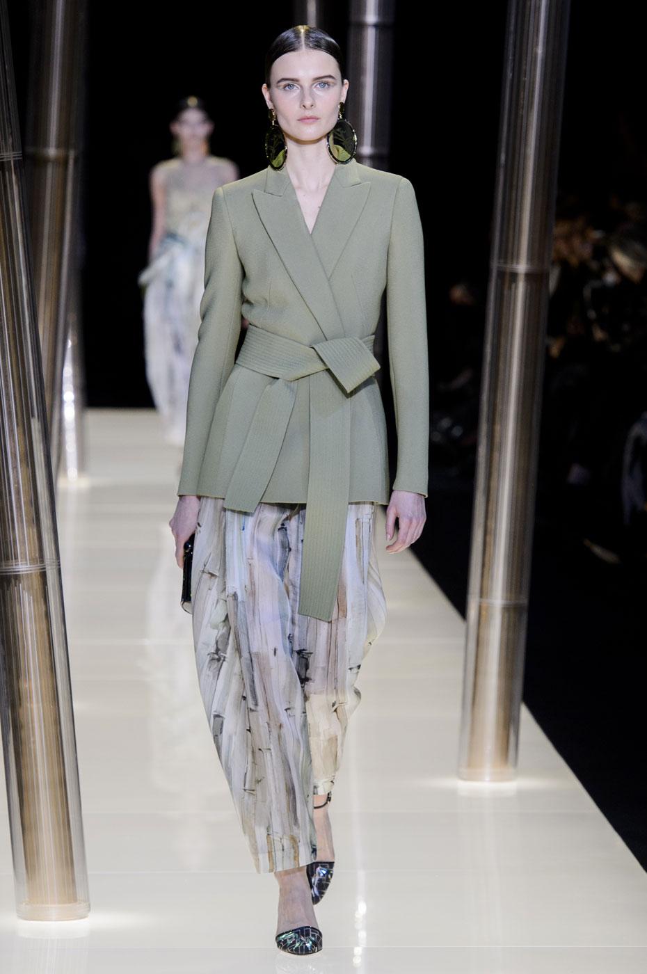 Giorgio-armani-Prive-fashion-runway-show-haute-couture-paris-spring-2015-the-impression-035