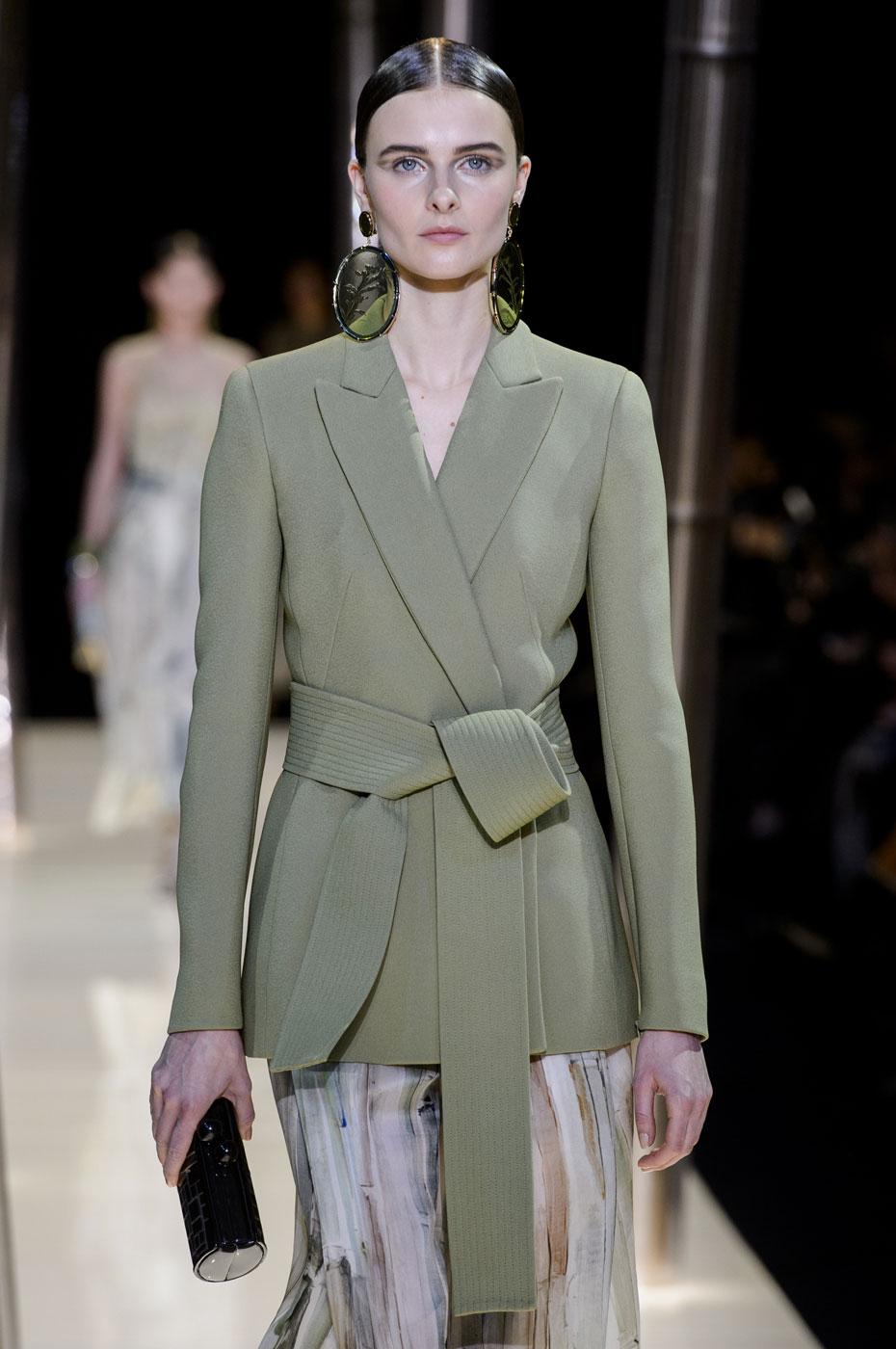 Giorgio-armani-Prive-fashion-runway-show-haute-couture-paris-spring-2015-the-impression-036