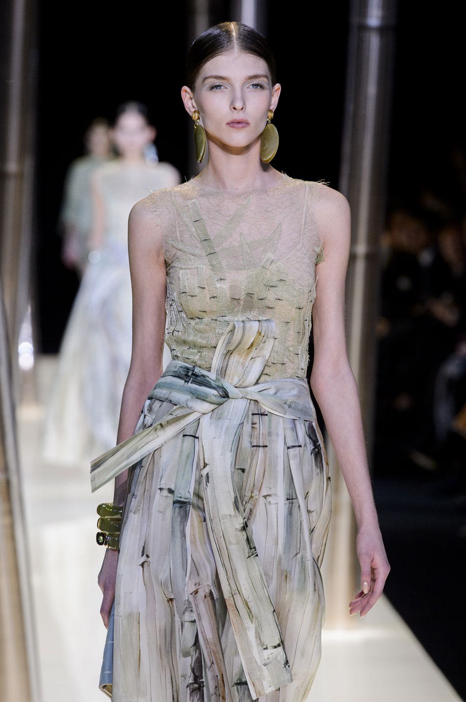 Giorgio-armani-Prive-fashion-runway-show-haute-couture-paris-spring-2015-the-impression-038