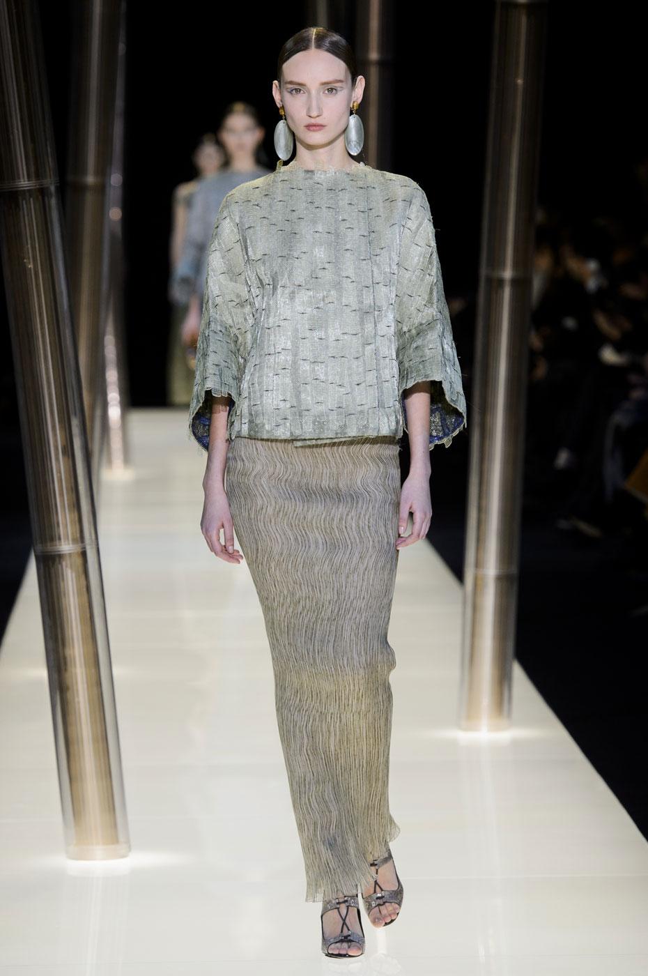 Giorgio-armani-Prive-fashion-runway-show-haute-couture-paris-spring-2015-the-impression-041