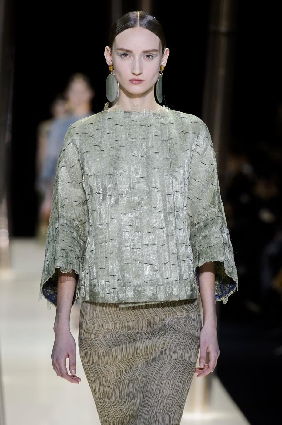 Giorgio-armani-Prive-fashion-runway-show-haute-couture-paris-spring-2015-the-impression-042