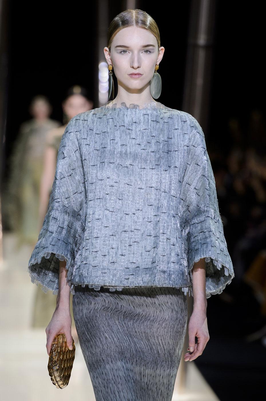 Giorgio-armani-Prive-fashion-runway-show-haute-couture-paris-spring-2015-the-impression-044
