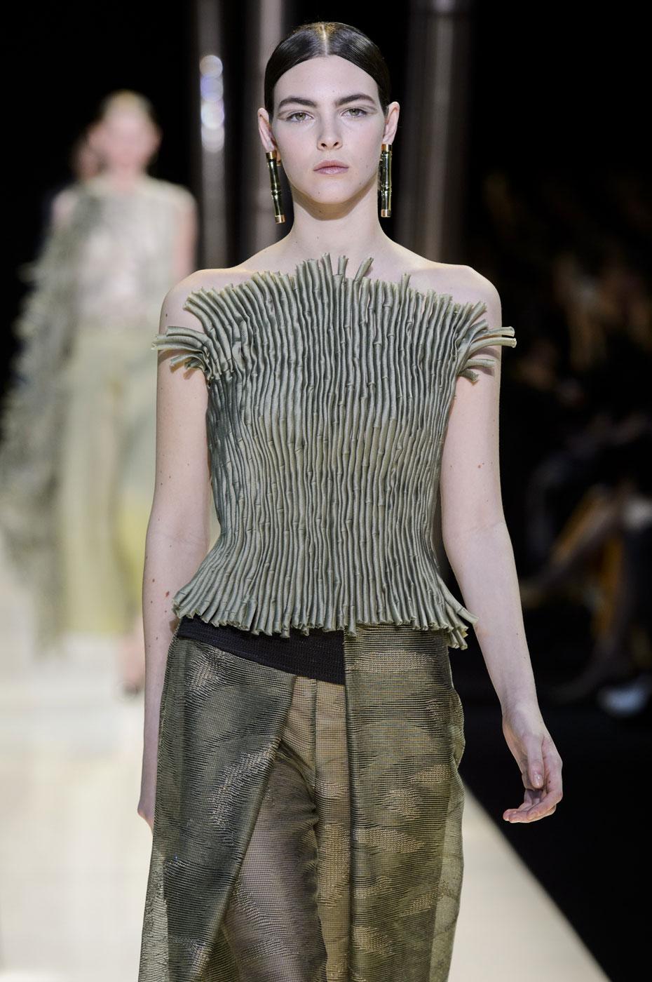 Giorgio-armani-Prive-fashion-runway-show-haute-couture-paris-spring-2015-the-impression-046