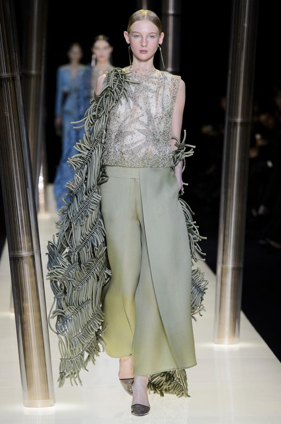 Giorgio-armani-Prive-fashion-runway-show-haute-couture-paris-spring-2015-the-impression-047