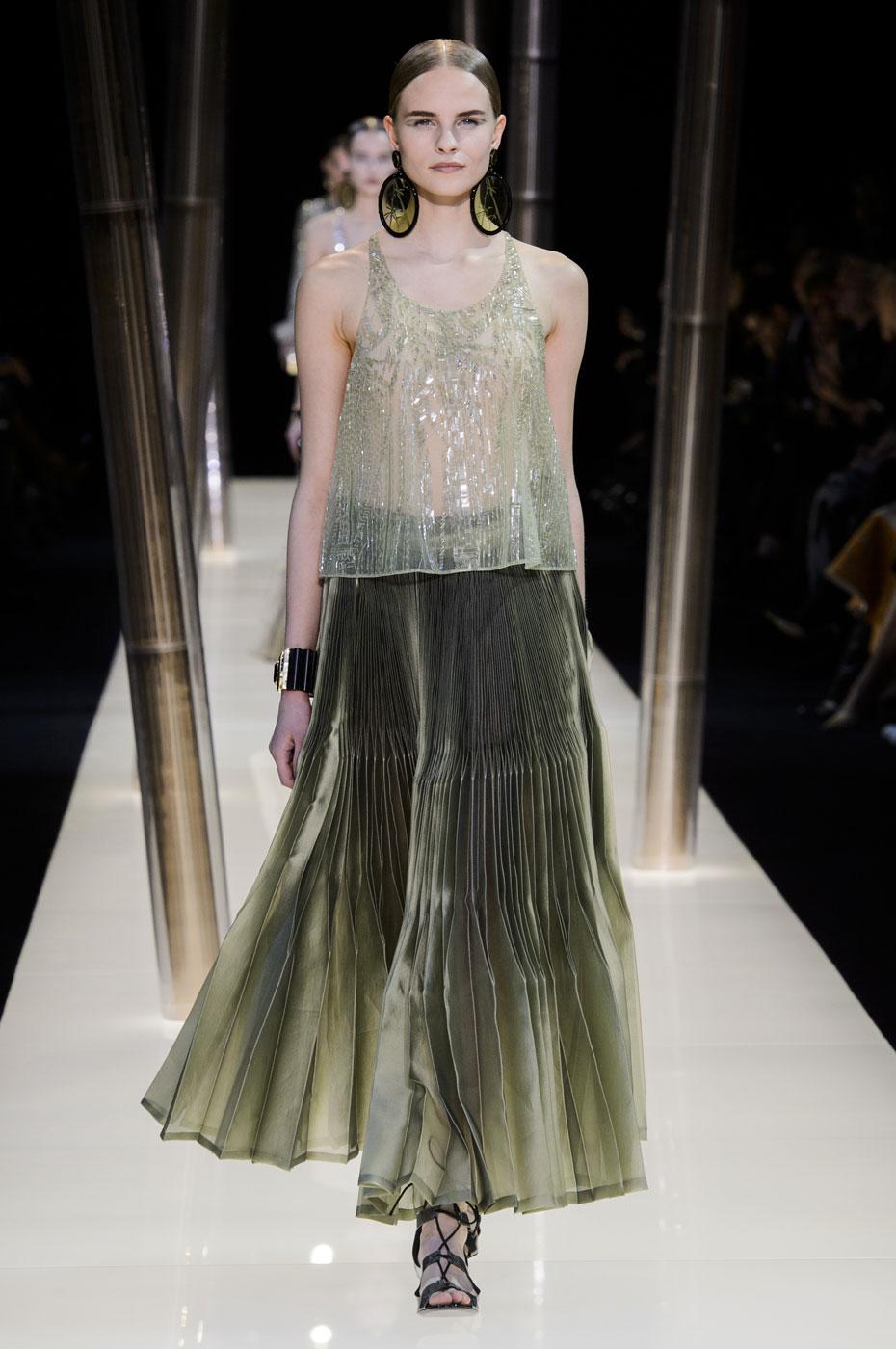 Giorgio-armani-Prive-fashion-runway-show-haute-couture-paris-spring-2015-the-impression-057