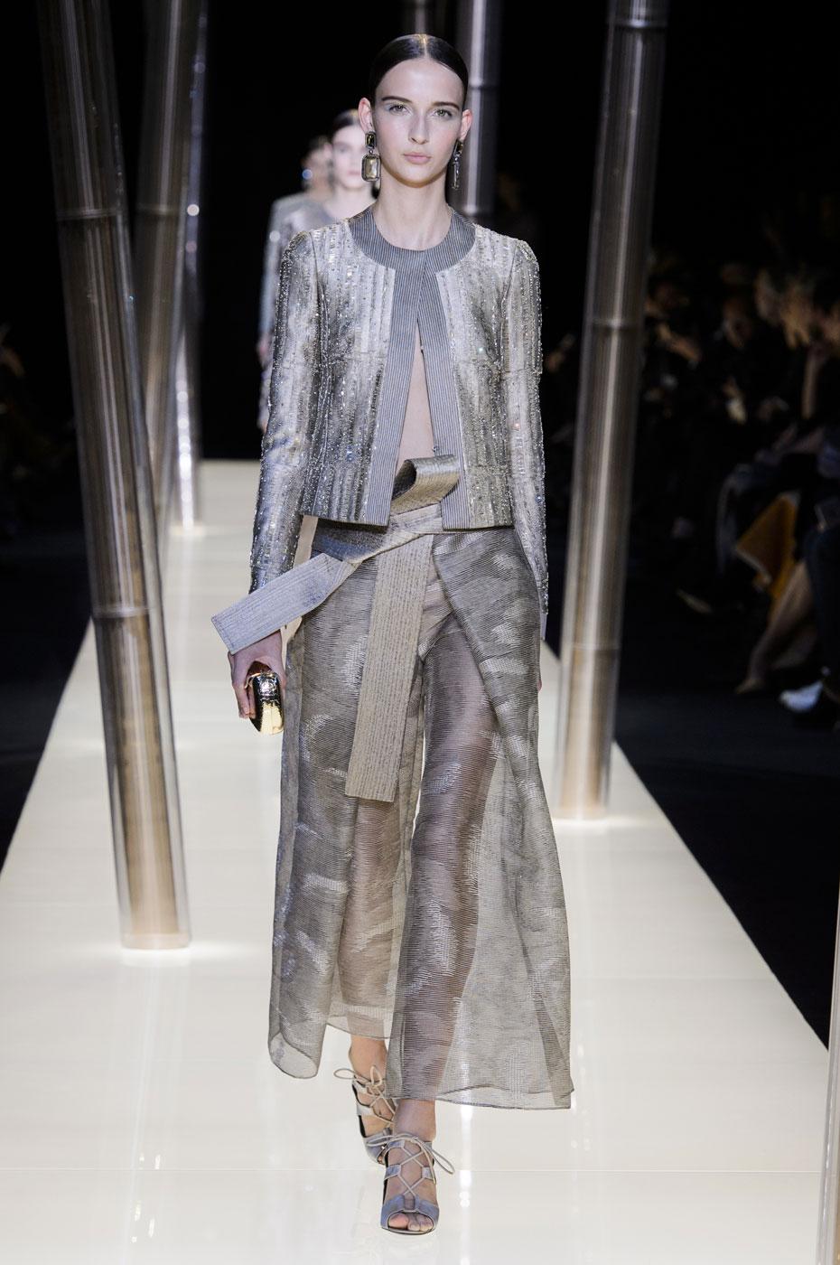 Giorgio-armani-Prive-fashion-runway-show-haute-couture-paris-spring-2015-the-impression-061