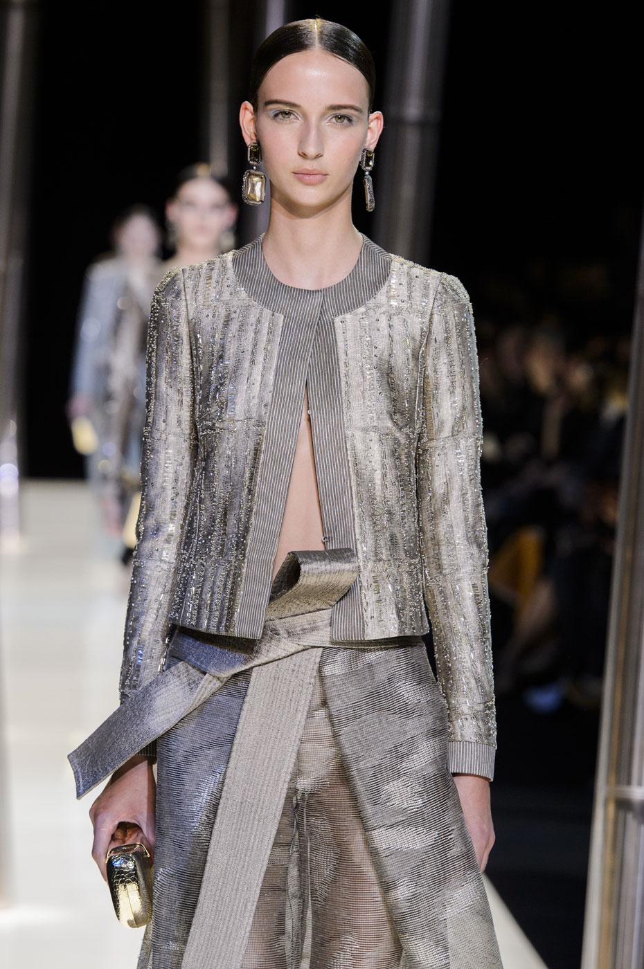 Giorgio-armani-Prive-fashion-runway-show-haute-couture-paris-spring-2015-the-impression-062