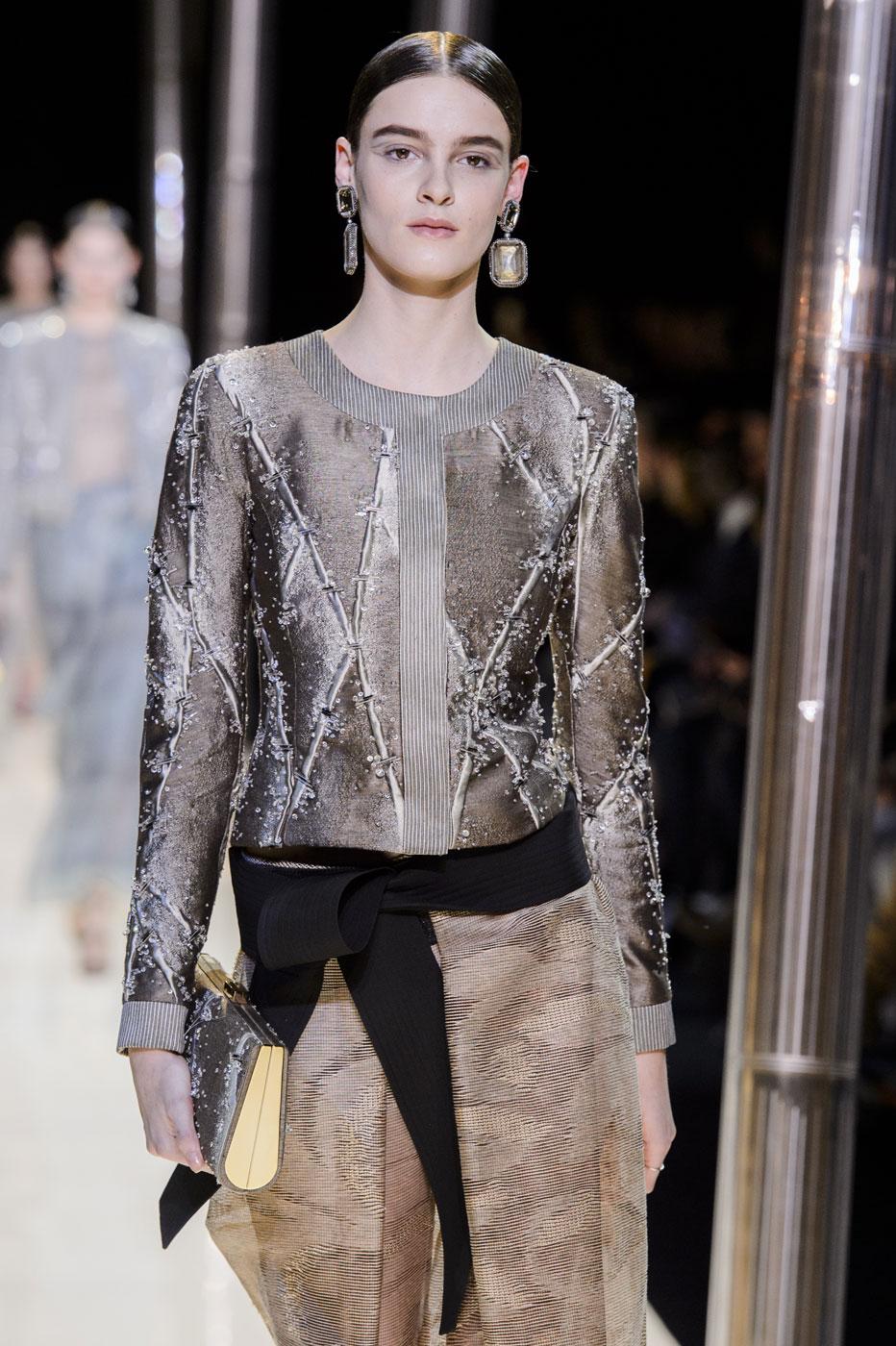 Giorgio-armani-Prive-fashion-runway-show-haute-couture-paris-spring-2015-the-impression-064
